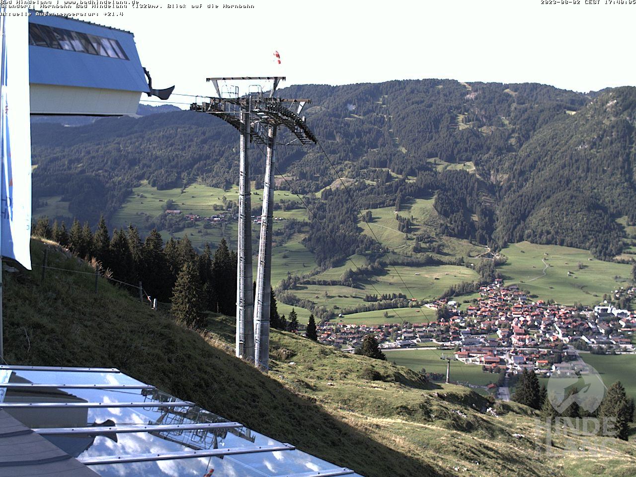 Webcam Bergstation Hindelanger Hornbahn - Ausblick auf die Bergstation der Hornbahn Hindelang (1.320 Meter)